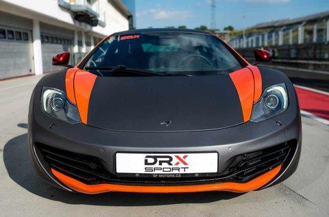 Taposs bele egy 625 lóerős McLaren MP4-12C-vel!