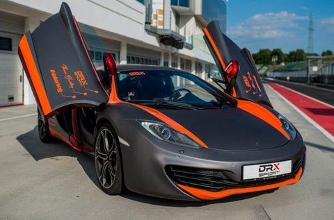 Vezess egy 628 lóerős McLarent a Hungaroringen!