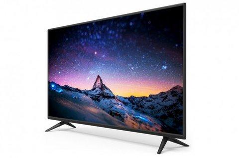 Smart-Tech 101 cm-es LED TV távirányítóval