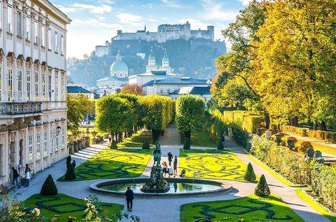 Mesés buszos utazás Hallstattba és Salzburgba