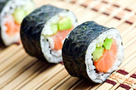 26 db-os mennyei sushi válogatás