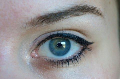 Sminktetoválás alsó és felső szemhéj területen