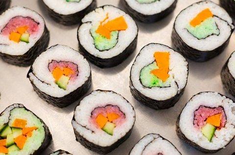 16 db-os ízletes vegán sushi válogatás 2 fő részére