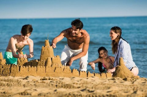 1 hetes tengerparti nyaralás 2-4 főnek Bibionéban