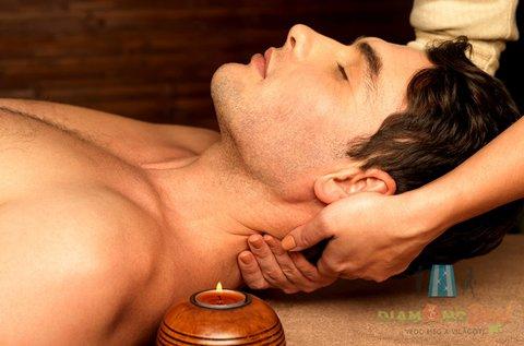 Gerincmasszázs fej- és migrén elleni masszázzsal