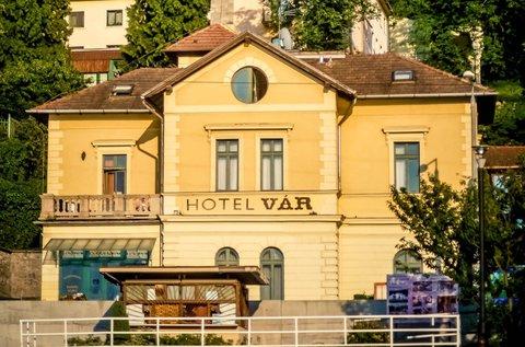 Kastélyélmény és wellness a mesés Dunakanyarban