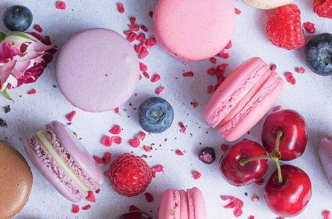 Valentin-napi macaron válogatás díszdobozban
