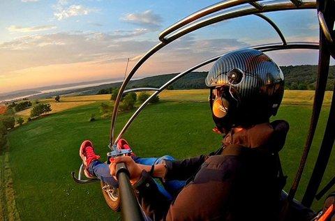40 perces élményrepülés motoros siklóernyővel
