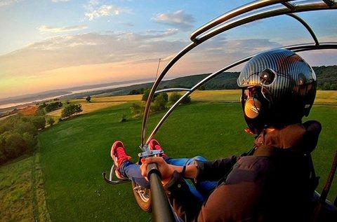 Emelkedj a magasba motoros sárkányrepülővel!