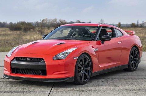 Száguldj egy Nissan GT-R R35 autóval Örkényben!