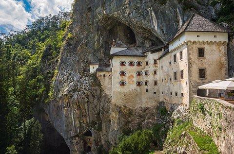 Buszos utazás a Postojnai cseppkőbarlanghoz