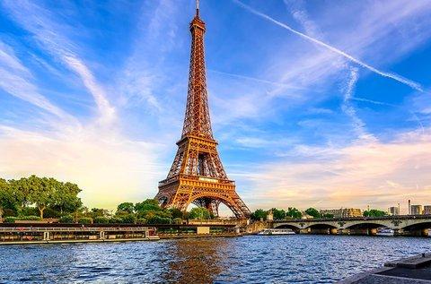 Romantikus tavaszi kikapcsolódás Párizsban
