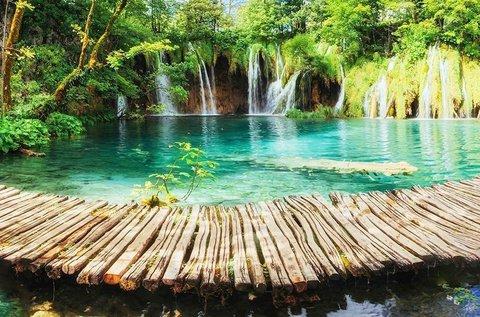 Természetközeli pihenés a Plitvicei-tavak mellett