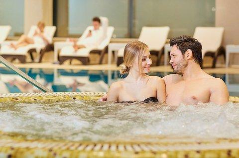 Frissítő fürdőzés masszázzsal Sárváron