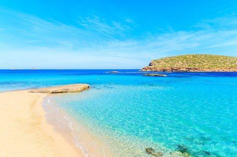 1 hetes nyaralás júniustól Ibizán repülővel