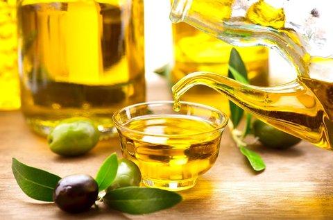 1 üveg extra szűz olívaolaj 750 ml-es kiszerelésben
