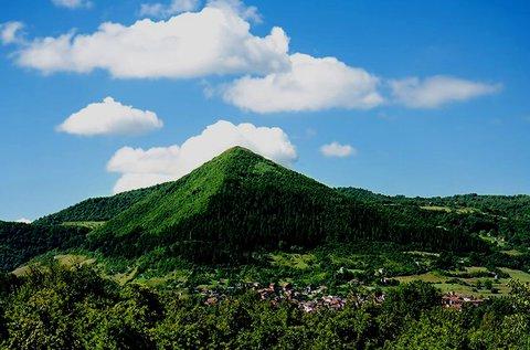 Buszos kirándulás a boszniai piramisok völgyébe