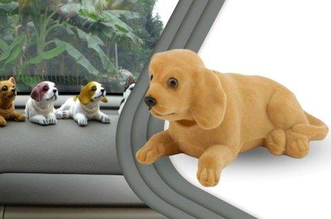 Retró bólogatós kutya a vidámabb utazáshoz