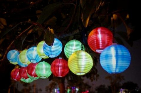 LED lampionfüzér 10 db vidám színű lampionnal