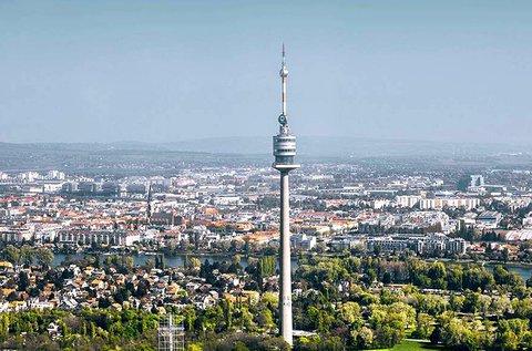 Kirándulás az ikonikus bécsi Duna-toronyhoz