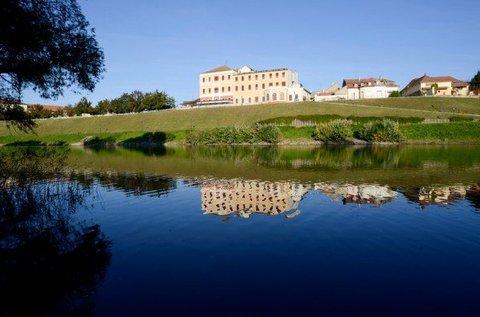 4 csillagos wellness kényeztetés a Duna partján
