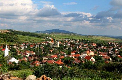 Boros élmények Tokajban sétahajózással