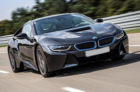 90 perces BMW i8 élményvezetés forgalomban