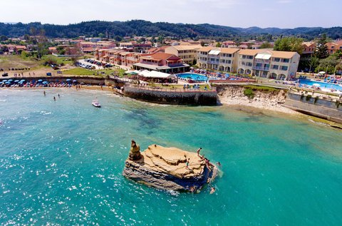 8 nap a smaragdzöld szigeten, Korfun