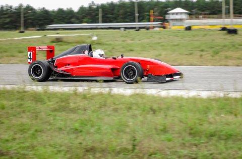 3 kör száguldás Formula Renault 2.0 versenyautóval