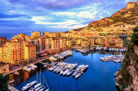 Októberi luxus kiruccanás Monacóba, buszos úttal