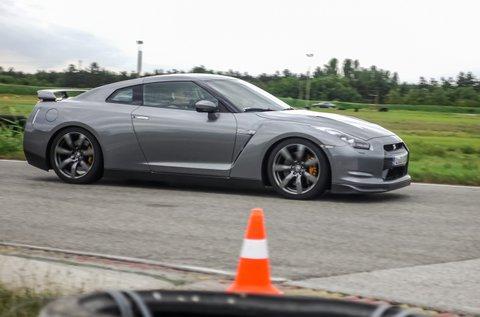 Száguldj egy Nissan GT-R-rel 3 körön át!