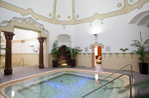 Székesfehérvári pihenés fürdőbelépővel