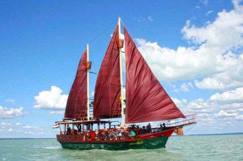 Városnéző kisvonat túra és hajókázás Siófokon