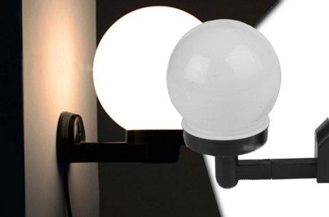 Esztétikus, napelemes fali LED lámpa