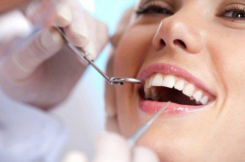 Egyrészes fogászati implantátum készítése