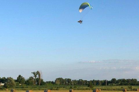 15 perc motoros tandem siklóernyőzés pilótával