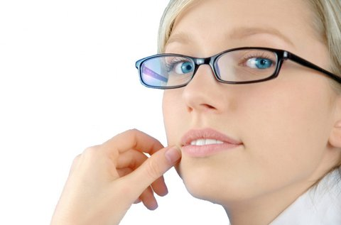 Bifokális szemüveg kerettel, látásvizsgálattal