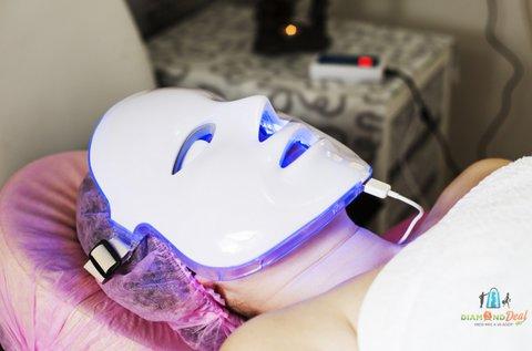 Hydro-proteines arckezelés LED fényterápiával