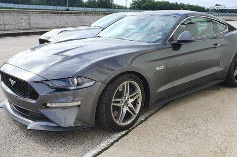 Vezess közúton egy Ford Mustang GT-t!