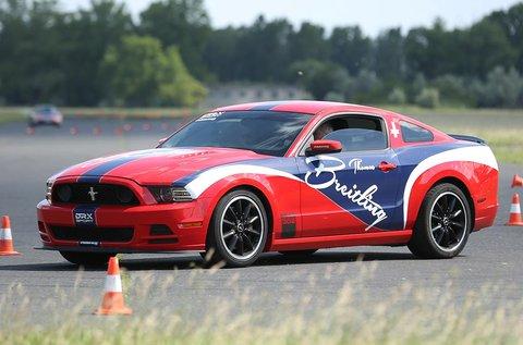 Ford Mustang Boss 302 izomautó élményvezetés