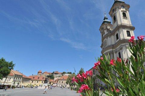 3 napos feltöltődés Eger történelmi belvárosában