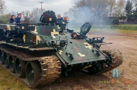 Vezess egy igazi tankot 20 percen át!