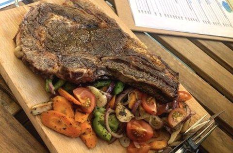 2 személyes steak vacsora pálinkalóstolóval