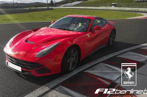 Ferrari F12 Berlinetta élményvezetés 3 körön át