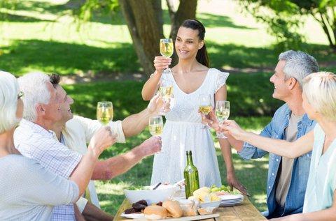 Etyeki bortúra privát luxusautóval 4 fő részére
