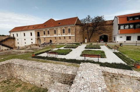 Pécsváradi lazítás fürdő- vagy állatkert belépővel