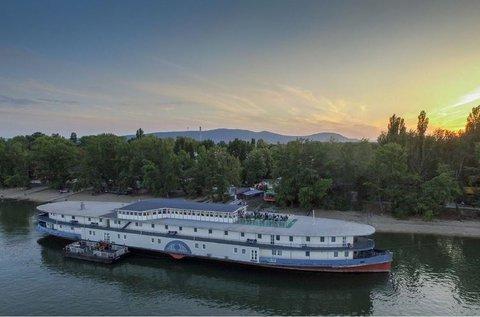Mesés hétvége egy Duna-parti szállodahajón