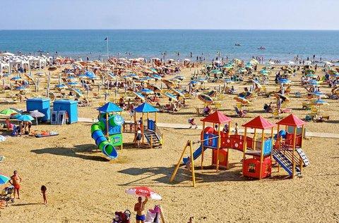 1 hetes üdülés 4-5 főnek Bibione tengerpartján
