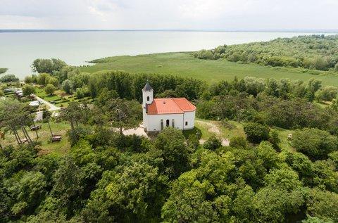 Kellemes kikapcsolódás a Balaton északi partján