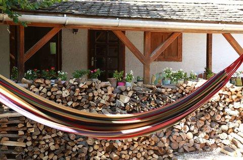 Falusi idill egy 200 éves parasztházban, Száron